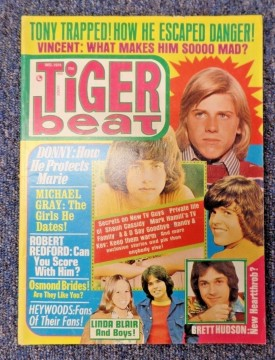Tiger Beat Osmonds, De Francos, Robert Redford, Heywoods, Linda Blair - December 1974 (Collectible Single Back Issue Magazine)