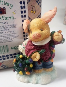 """Enesco Mary Mary Had A Farm #273414 1997 """"Knots About Christmas!"""" Pig Tangled in Lights Figurine"""