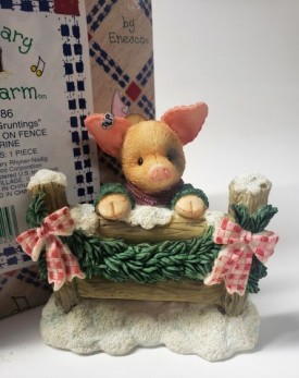 "Enesco Mary Mary Had A Farm #274186 1997 ""Seasons Gruntings"" Pig Sitting on Fence Figurine"