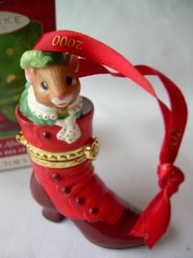 2000 Hallmark  Keepsake Ornament Fashion Afoot QX8341