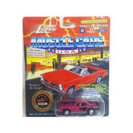 Johnny Lightning Muscle Cars 1/64 Die Cast Replica 1971 Hemi Cuda Purple