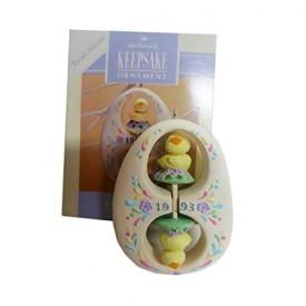 Chicks-on-a-Twirl 1993 Easter Hallmark Ornament QEO8375