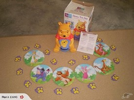 Pooh Honey Pot Hop Game [Toy]