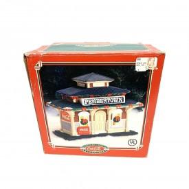 Coca Cola American Classics Collection Pemberton Train Depot Lighted House 1995