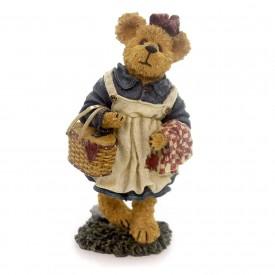 Boyds Bears Bearstone Resin Figurine Molly B. Berriweather Teddy Bears Picnic