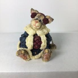 Boyds Bears Purrstone Resin Cat Figurine Miss Flufficat Winter Snugglin Christmas 371017