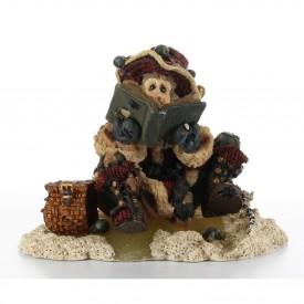 Boyds Bears Bearstone Resin Figurine Nick On Ice