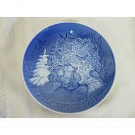 "Bing & Grondahl 1981 Jule After ""Christmas Peace"" Plate"