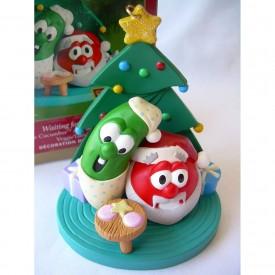2001 Hallmark WAITING FOR SANTA Larry the Cucumber and Bob the Tomato VEGGIE TALES Ornament