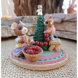 Hallmark the Perfect Tree Tender Touches - Keepsake Ornaments