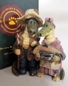 Boyds Bears Bearstone Resin Crocodile Figurine Irwin And Terry Crocpot Now Yer Cookin 2001 Style #2443