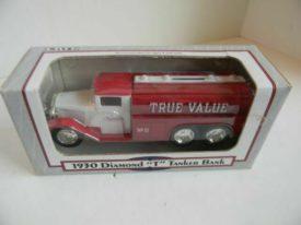Ertl 1930 Diamond T Tanker Bank True Value Hardware 1/34 Scale 1992 Metal Cast