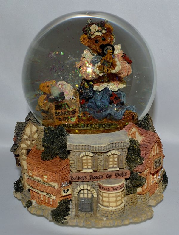 """Boyds Bears Musical Water Ball The Collector Plays """"My Favorite Things"""" From The Sound of Music"""