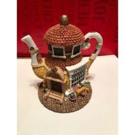 """HOMETOWN TEAPOT COTTAGES """"Antiques"""" Store Miniature Tea Pot"""