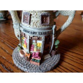 "HOMETOWN TEAPOT COTTAGES ""Grocery Store"" Miniature Tea Pot"