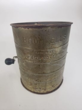 Vintage Bromwell's Metal Measuring Flour Sifter 1-3 Cup - Black Handle