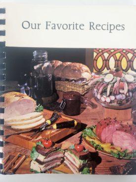 Vintage 2002 Cookbook Our Favorite Recipes United Methodist Church Taylorville, Illinois (Plastic-comb Paperback)