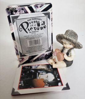 """Kim Anderson's Pretty As A Picture """"You've Captured My Heart"""" Figurine 201685"""