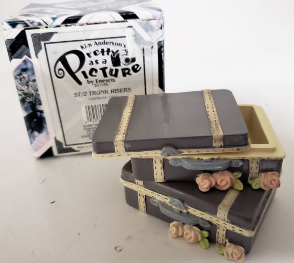 Kim Anderson's Pretty As A Picture Trunk Risers Resin Set 351180